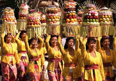 Lima Suku Asli Indonesia Yang Mendunia