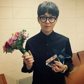 B2ST�den Junhyung �En �yi �aylak Akt�r� �d�l�n� Kazand� /// 3 Ekim 2013