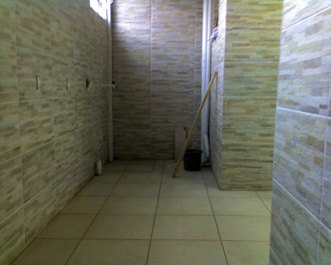 do tapete (tabeira) com peças em 45º faixas decorativas Eliane #797F4C 1280x1024 Azulejo Banheiro Eliane
