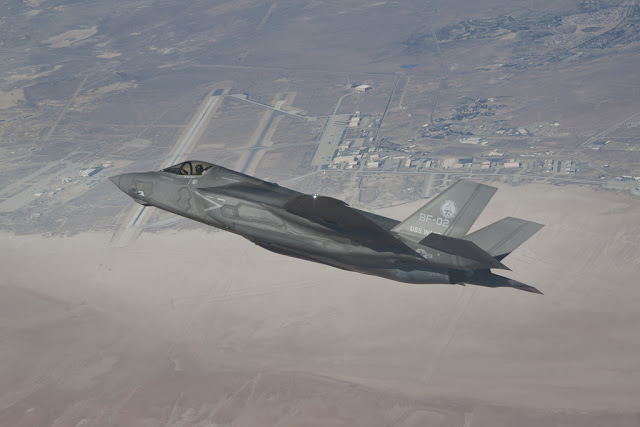 F-35 JSF sharp turning
