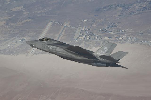 F-35 JSF sharp turning