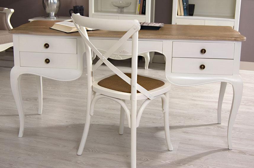 Silla y escritorio combinado blanco y madera