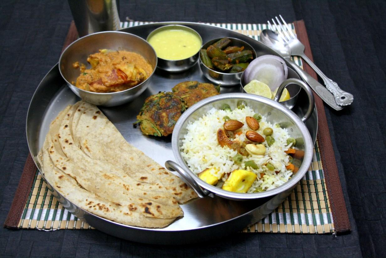 Methi puri methi poori recipe north indian thali 2 by spice your methi puri methi poori recipe north indian thali 2 by spice your life foodblogs forumfinder Images