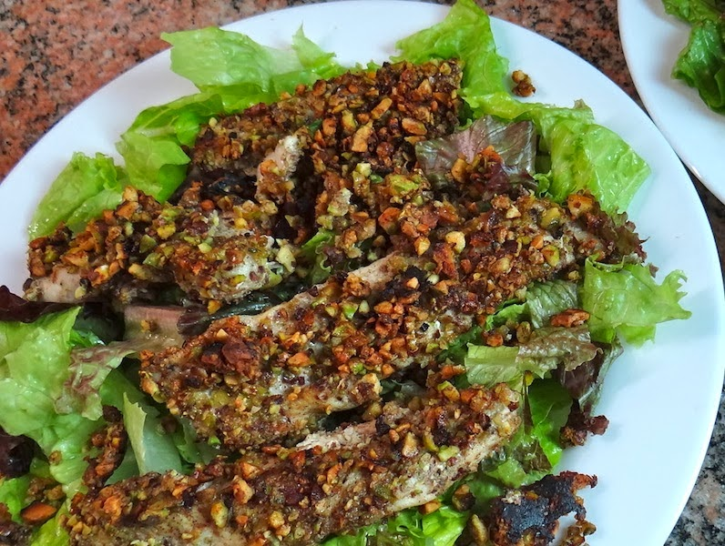 http://kelleyhighway.blogspot.com/2014/02/chicken-pistachio-salad-recipe-tutorial.html