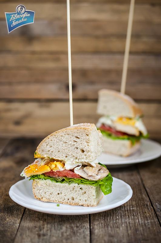 Sandwich z kurczakiem i dipem z rzeżuchy  przepis