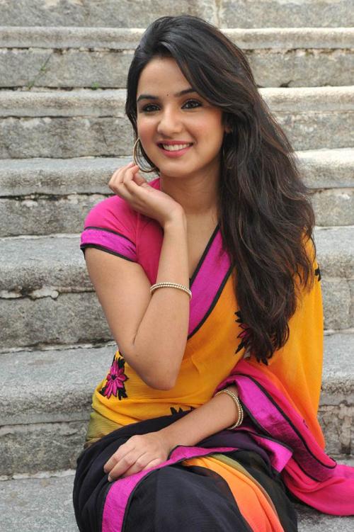 Jasmine Bhasin Wiki Profile Tashan E Ishq Actress Jasmine Bhasin