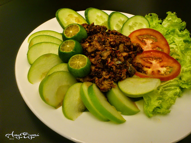 sambal fish apple salad