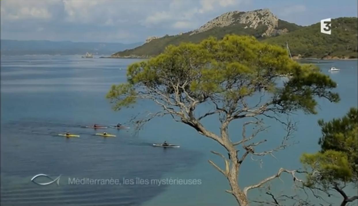 Arrivée dans la baie des langoustiers émission Thalassa Porquerolle Port Cros Kayak de mer