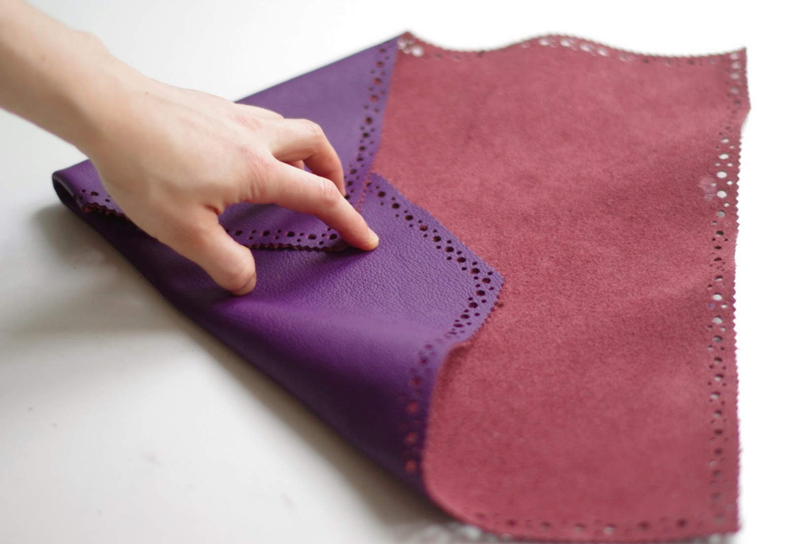 How to make an Origami envelope clutch without sewing machine. Fashion tutorial designed by Xenia Kuhn for fashion blog