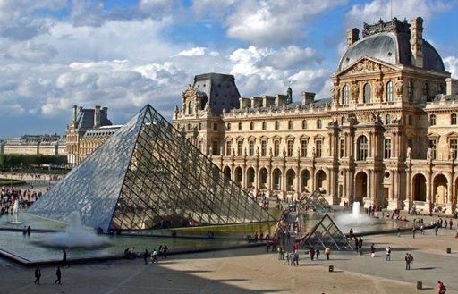 Museum Paling Sering Dikunjungi Turis, Louvre
