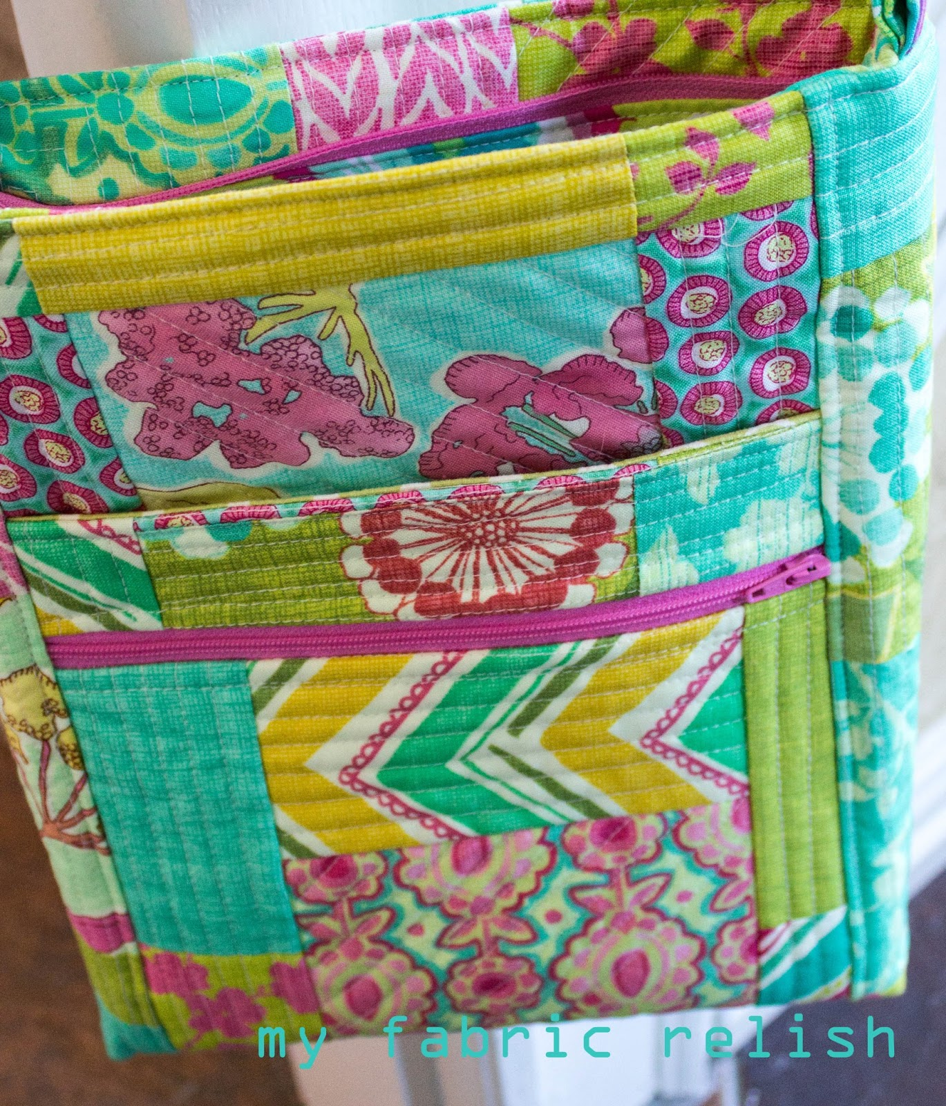 my fabric relish: quilted messenger bag