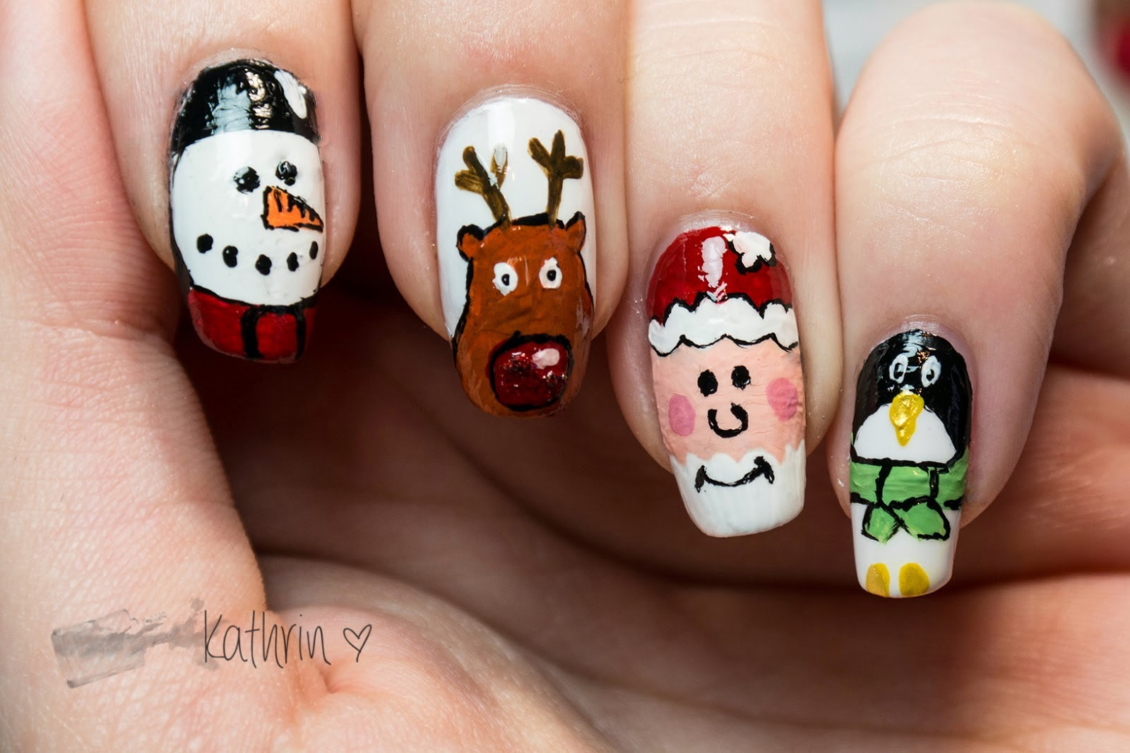 http://rainpow-nails.blogspot.de/2014/12/weihnachtszeit-santa-und-seine-freunde.html
