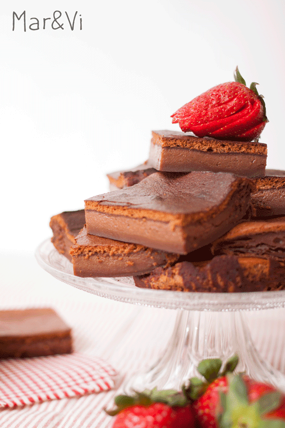 pastel inteligente de chocolate, crema de orujo y café