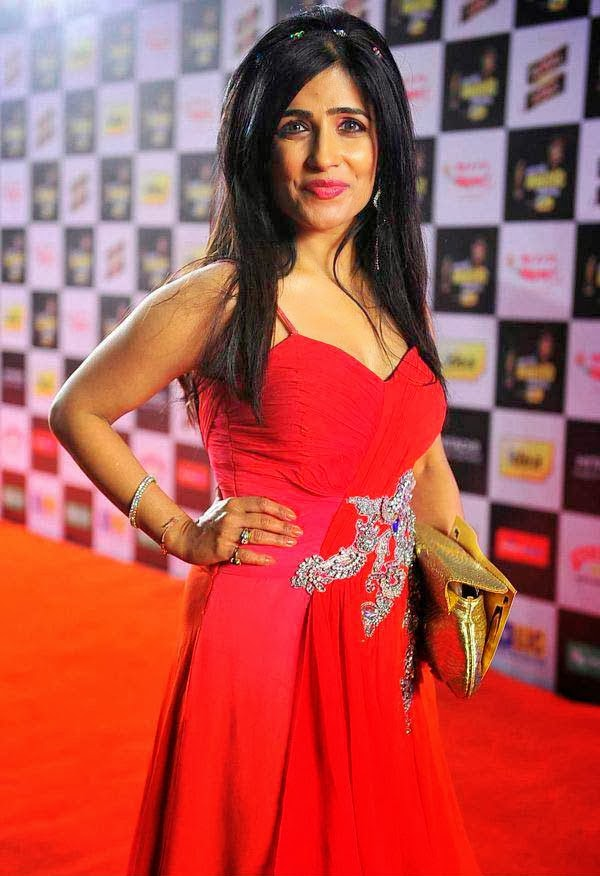 Shibani Kashyap at Mirchi Music Awards 2014