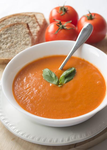 Low Calorie Tomato Soup #soupunder200calories