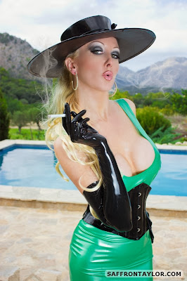 Smoking Fetish Lady, Green and Black Latex Lady