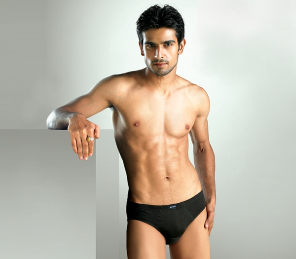 heros  naked indian