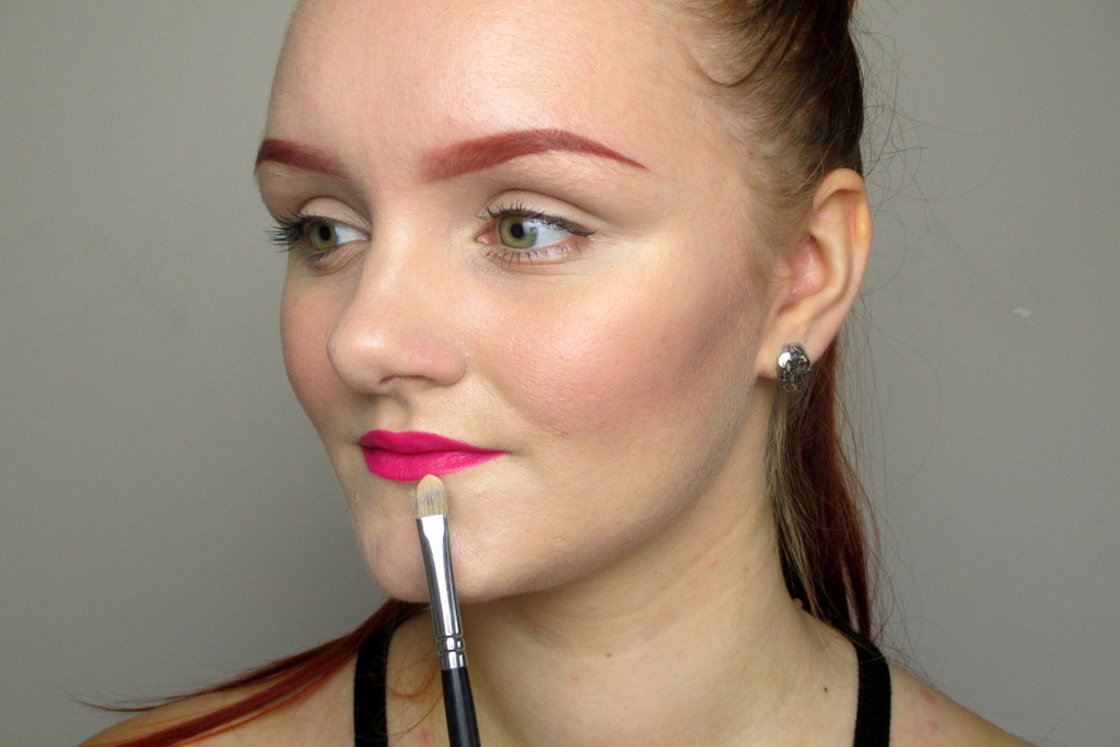 bright pink lips on pale skin tutorial