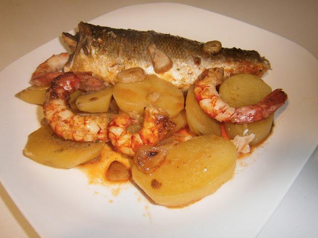 LUBINA CON GAMBAS Lubina-gambon-gambas-pescado-panaderas-06