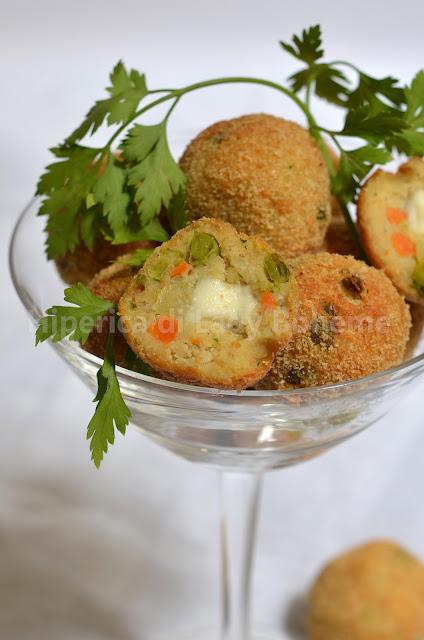 hiperica_lady_boheme_blog_di_cucina_ricette_gustose_facili_veloci_polpette_di_carne_con_verdure_e_mozzarella_2