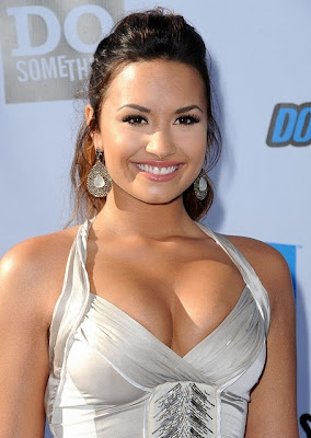 Demi Lovato Hot