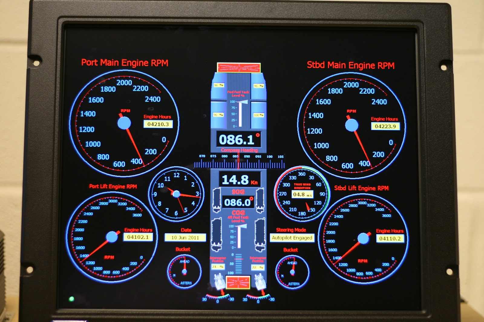 Special T Si >> MES UK Marine Electronic Systems: Conning Display