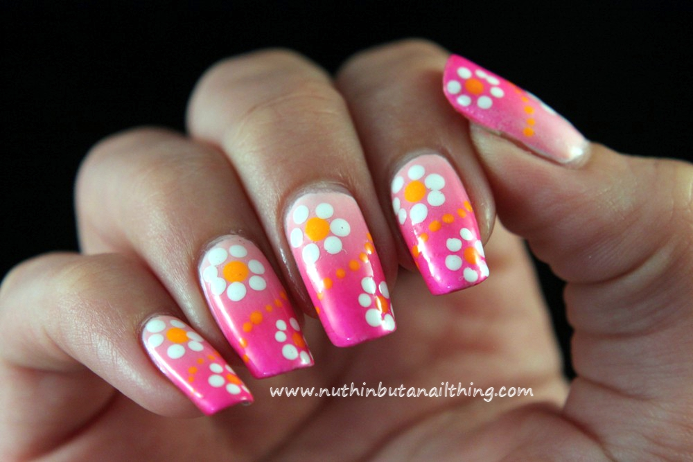 nuthin\' but a nail thing: Pink flowery gradient