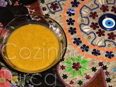 Sopa de Cereais e Lentilhas Vermelhas (Ezogelin Çorbası)