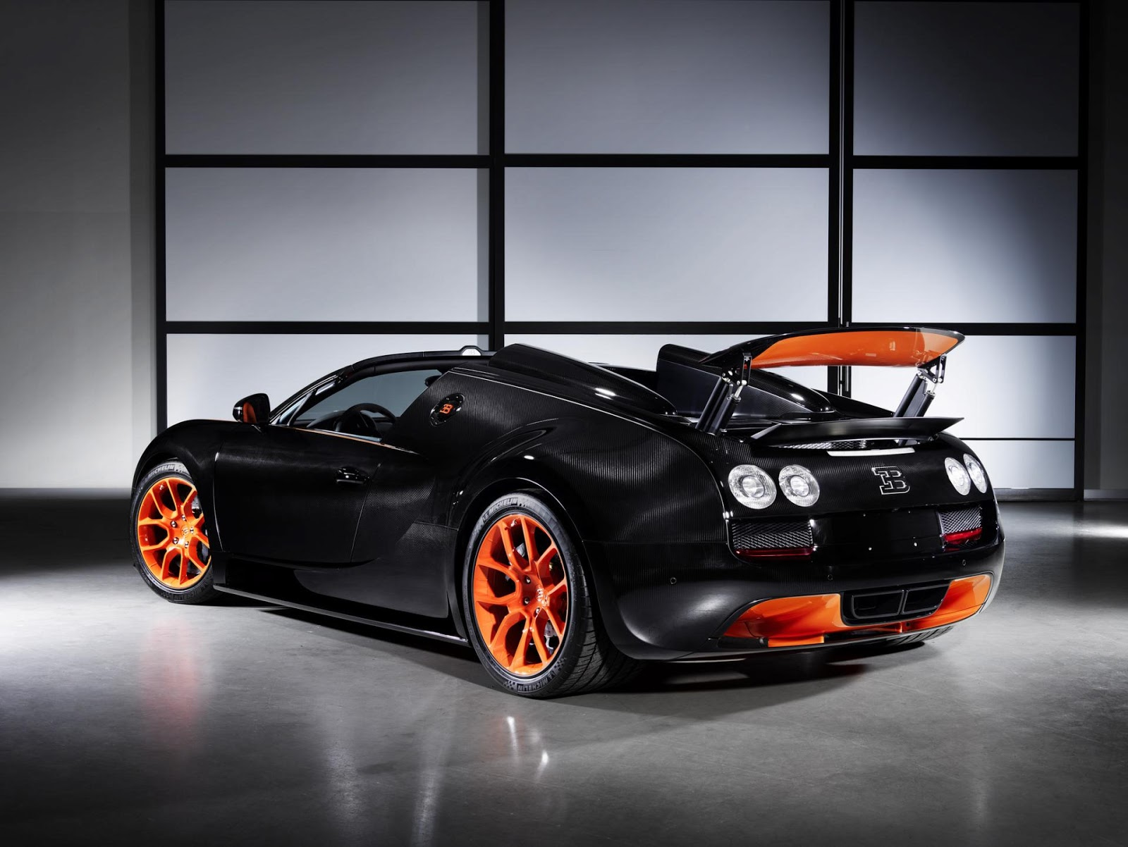 bugatti veyron grand sport vitesse wrc 2013 hottest car. Black Bedroom Furniture Sets. Home Design Ideas