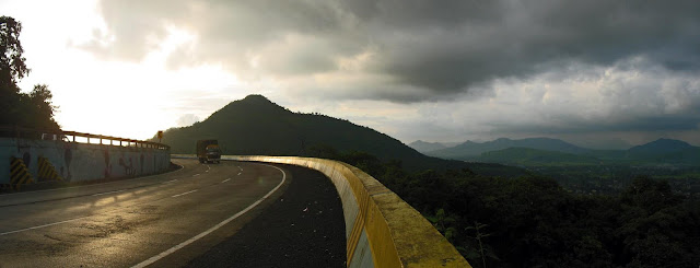 panoramic view from the Mumbai Pune Expressway
