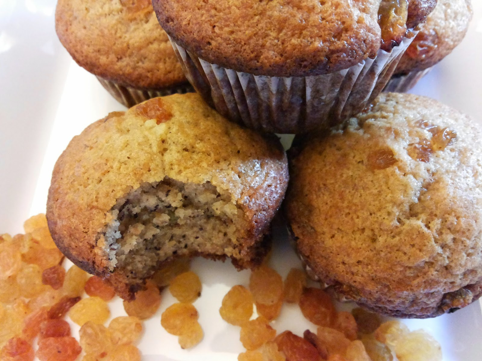Raisins and cinnamon cupcakes