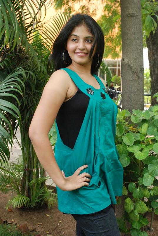 Anjali Latest Cute Stills In Engeyum Eppothum Press Meet hot images