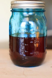 http://www.trialandeater.com/how-to-make-vanilla-extract/