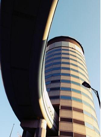 Senibina terbaik jalan raya merentasi bangunan