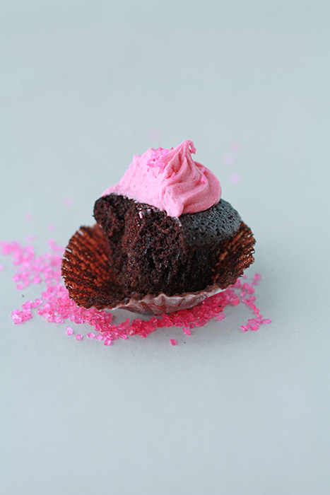 chocolate cupcakes with raspberry frosting