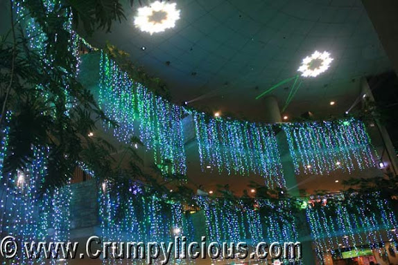 trinoma merry musical lights show