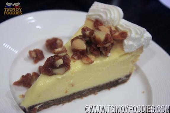 white chocolate macadamia brittle cheesecake