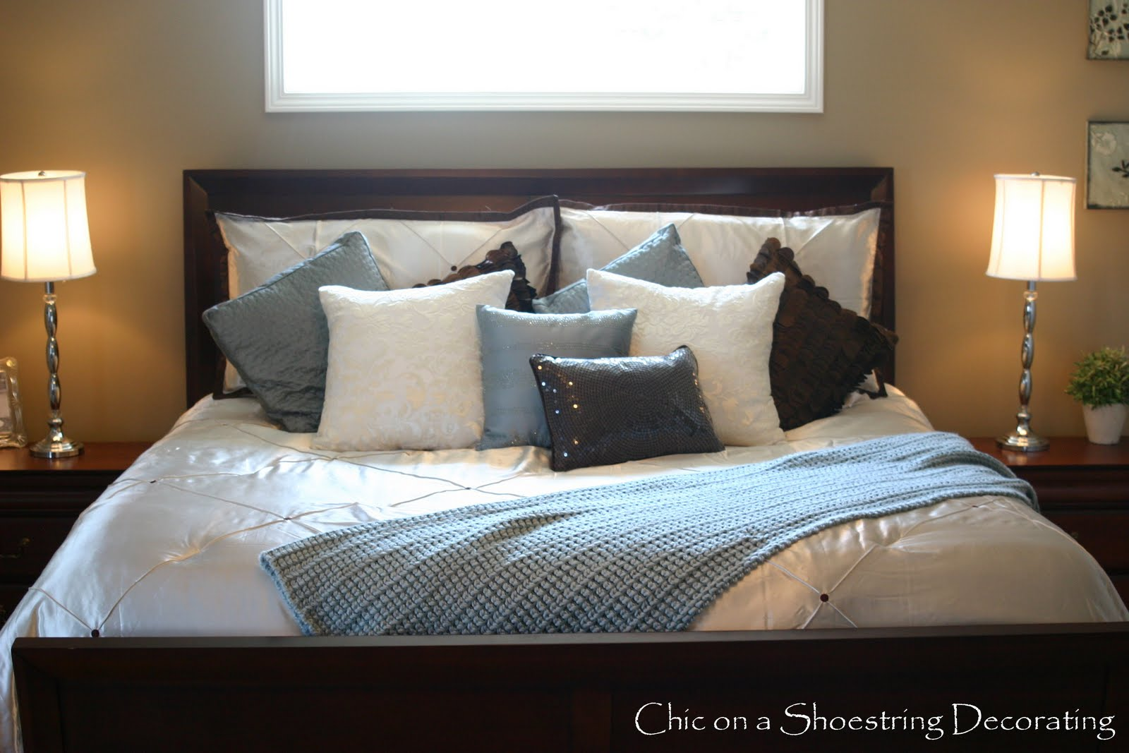 chic on a shoestring decorating king me. Black Bedroom Furniture Sets. Home Design Ideas
