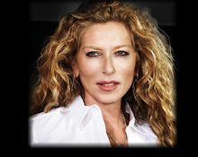 "<a href=""http://www.kellyhoppenretail.com/?v=feed"">Kelly Hoppen</a>"