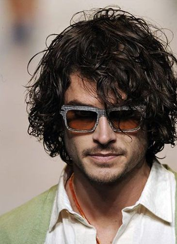 Curly Hairstyles Men - Cool Men with Long Hair Styles2.JPG