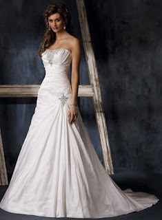 The trend of strapless wedding dresses 2010