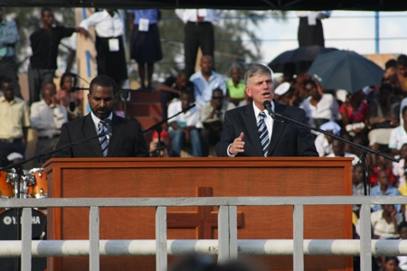 billy graham preaching. Franklin Graham preached the