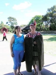 Maorí, Reserva de Whakarewarewa, Rotorua, Nueva Zelanda, vuelta al mundo, round the world, La vuelta al mundo de Asun y Ricardo