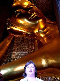 Buda Reclinado, Wat Phra Chothphom, Bangkok, Tailandia, Tahilandia, vuelta al mundo, round the world, La vuelta al mundo de Asun y Ricardo