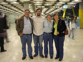 Aeropuerto de Barajas, vuelta al mundo, round the world, La vuelta al mundo de Asun y Ricardo