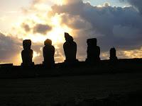 Plataforma Tahari, moais, Isla de Pascua, Easter Island, vuelta al mundo, round the world, La vuelta al mundo de Asun y Ricardo