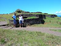 Orongo,ciudad ceremonial, Isla de Pascua, Easter Island, vuelta al mundo, round the world, La vuelta al mundo de Asun y Ricardo