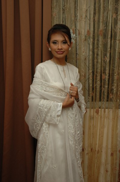 Wedding Dresses Malaysia : Malaysian wedding dresses short