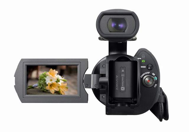 Sony NEX-VG10, The First Consumer HD Camcorder with Interchangeable Lenses