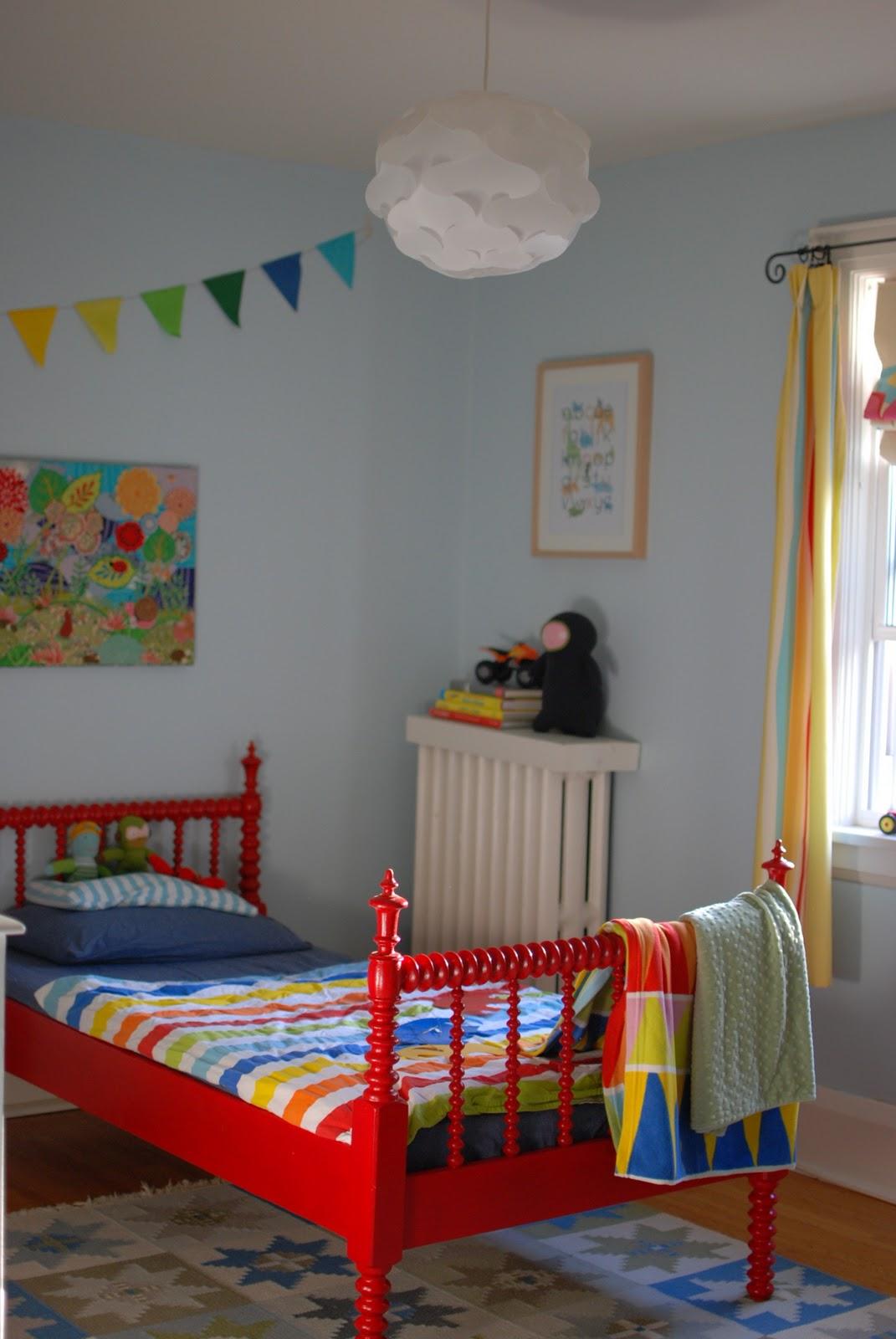 Design log lasting lighting for little kid rooms for Little kids rooms